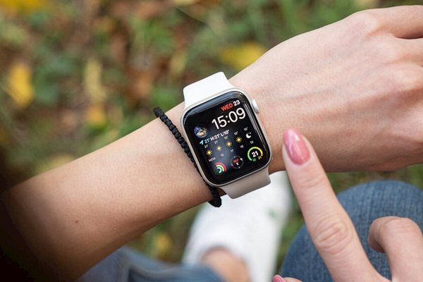 Nên mua Apple Watch Series 6 bản 40mm hay 44mm?