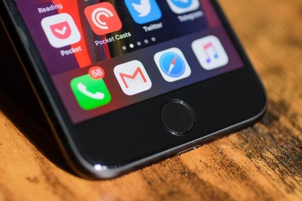 Có nên mua iPhone SE 2020 ở thời điểm hiện tại không?