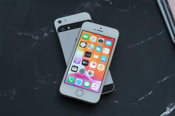 """Mua iPhone SE """"cổ"""" tại Điện Thoại Mới cần quan tâm những gì?"""