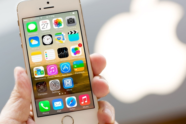 Hình ảnh thực tế của iPhone SE và tư vấn chọn màu theo xu thế