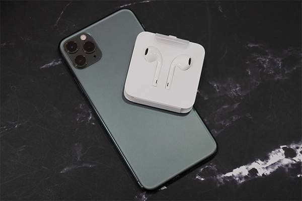 iPhone 11 Pro Max có mấy phiên bản bộ nhớ, nên chọn bản dung lượng bao nhiêu?