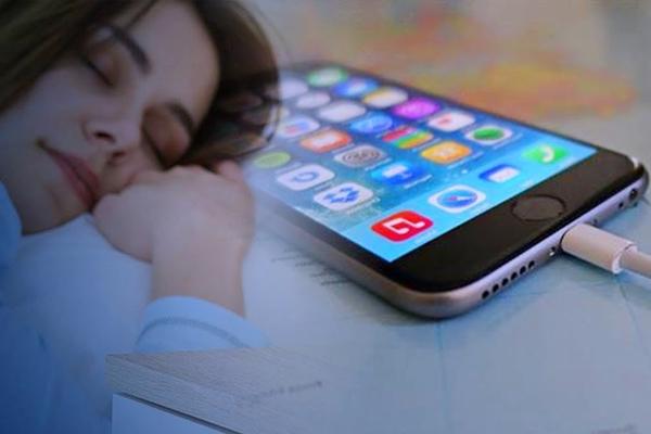 Lời khuyên hữu ích giúp sạc iPhone qua đêm an toàn