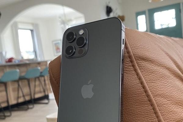 DxOMark kiểm tra camera selfie của iPhone 12 Pro, mang lại cho nó sự chắc chắn