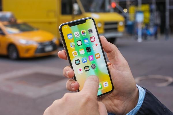 Thiết kế và cấu hình của iPhone X được đánh giá cao dù đã 3 năm tuổi