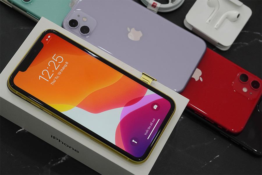 iPhone 11 ATO có màn hình LCD đảm bảo hiển thị sắc nét